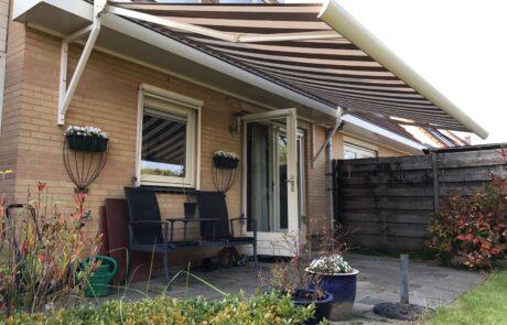 Knikarmschermen op maat bij Van Ewijk Zonwering in Lelystad Dronten Swifterbant en Almere 02