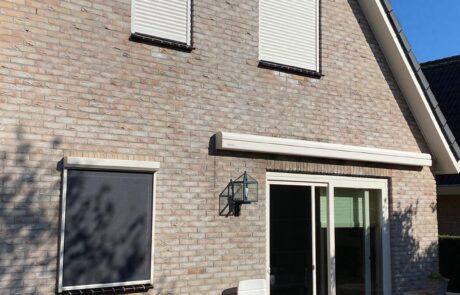Knikarmschermen op maat bij Van Ewijk Zonwering in Lelystad Dronten Swifterbant en Almere 0B