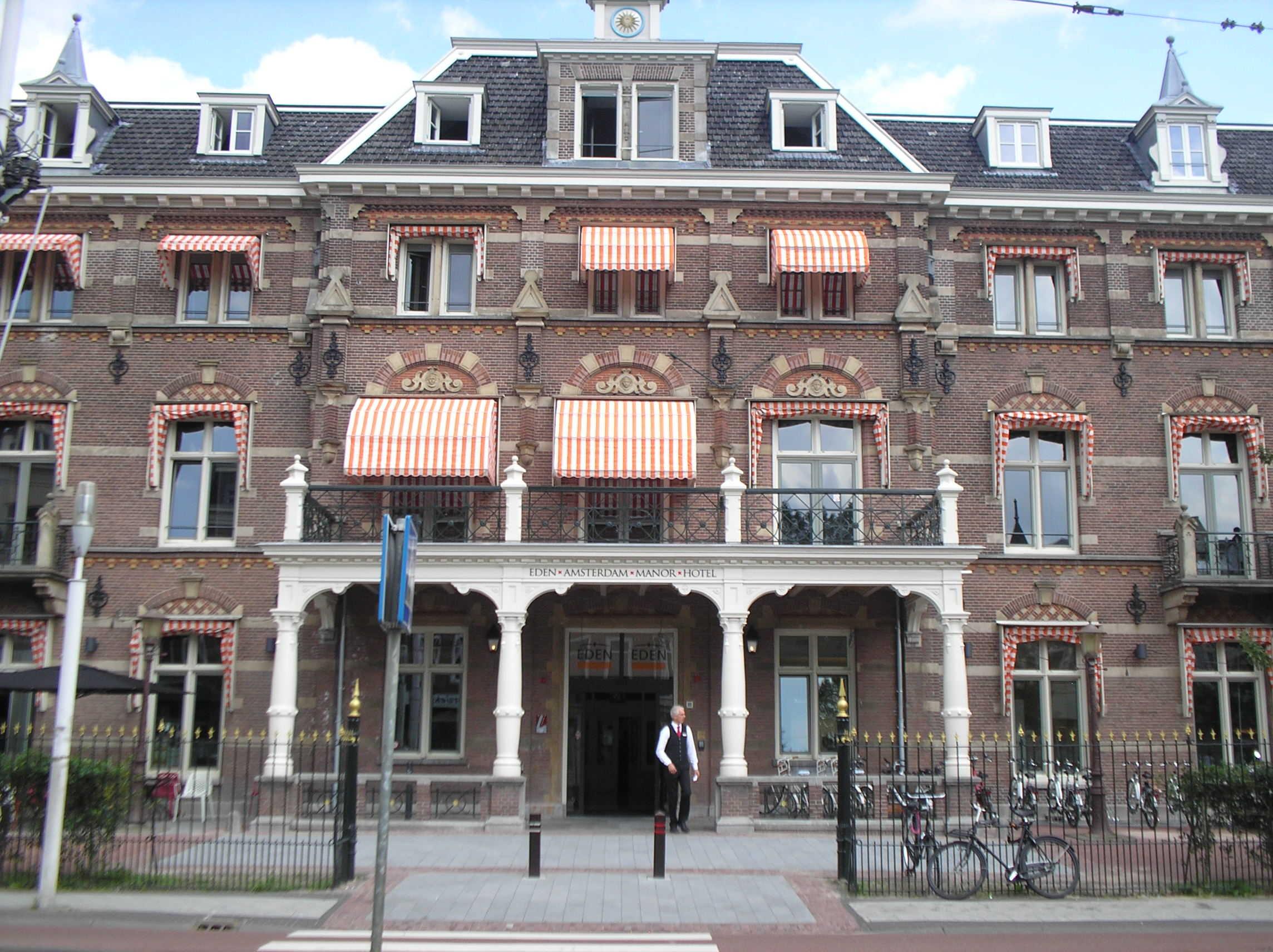 Markiezen op maat bij Van Ewijk Zonwering in Lelystad Dronten Swifterbant en Almere 00