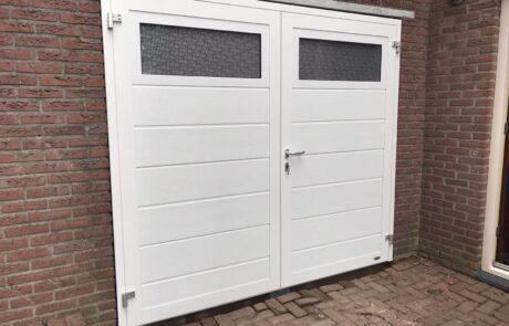 Openslaande garagedeuren op maat bij Van Ewijk Zonwering in Lelystad Dronten Swifterbant en Almere 5