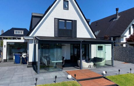 Overkapping zonwering op maat bij Van Ewijk Zonwering in Lelystad Dronten Swifterbant en Almere 02