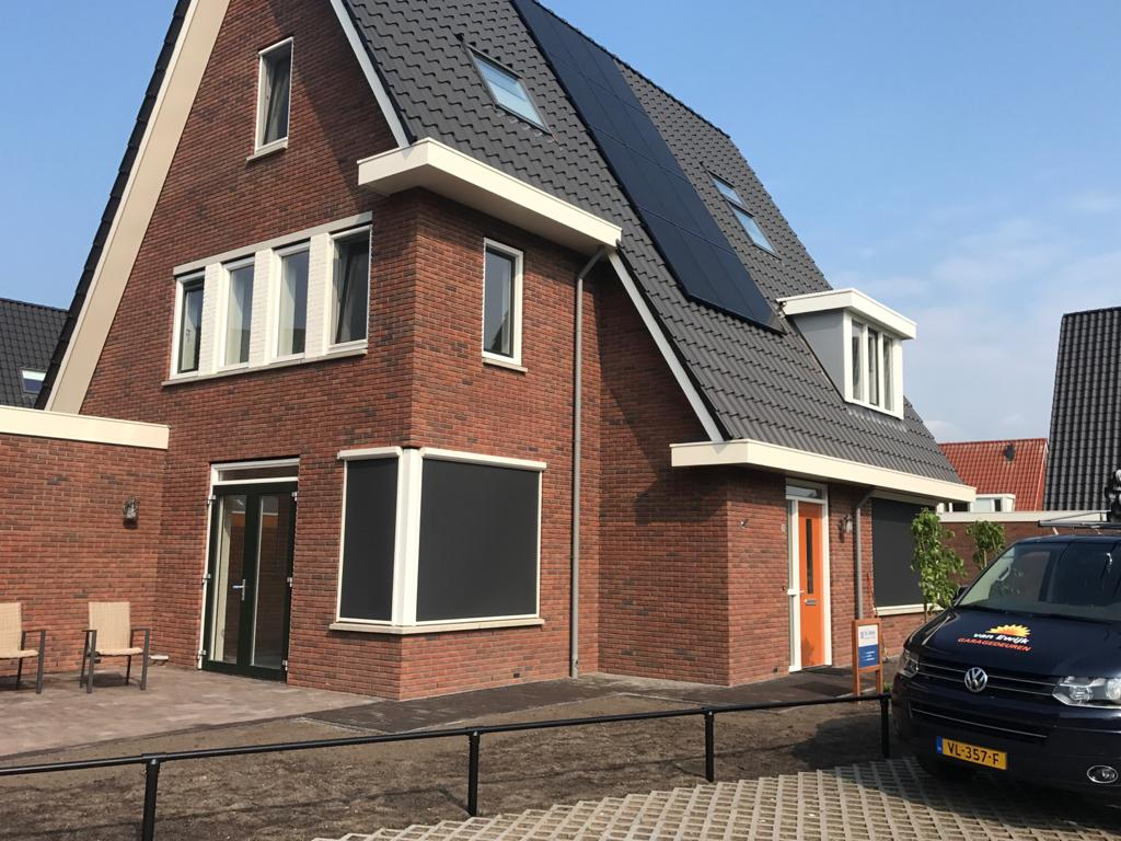 Screens en zipscreens op maat bij Van Ewijk Zonwering in Lelystad Dronten Swifterbant en Almere 0B
