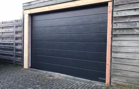 Sectionaaldeuren op maat bij Van Ewijk Zonwering in Lelystad Dronten Swifterbant en Almere 00