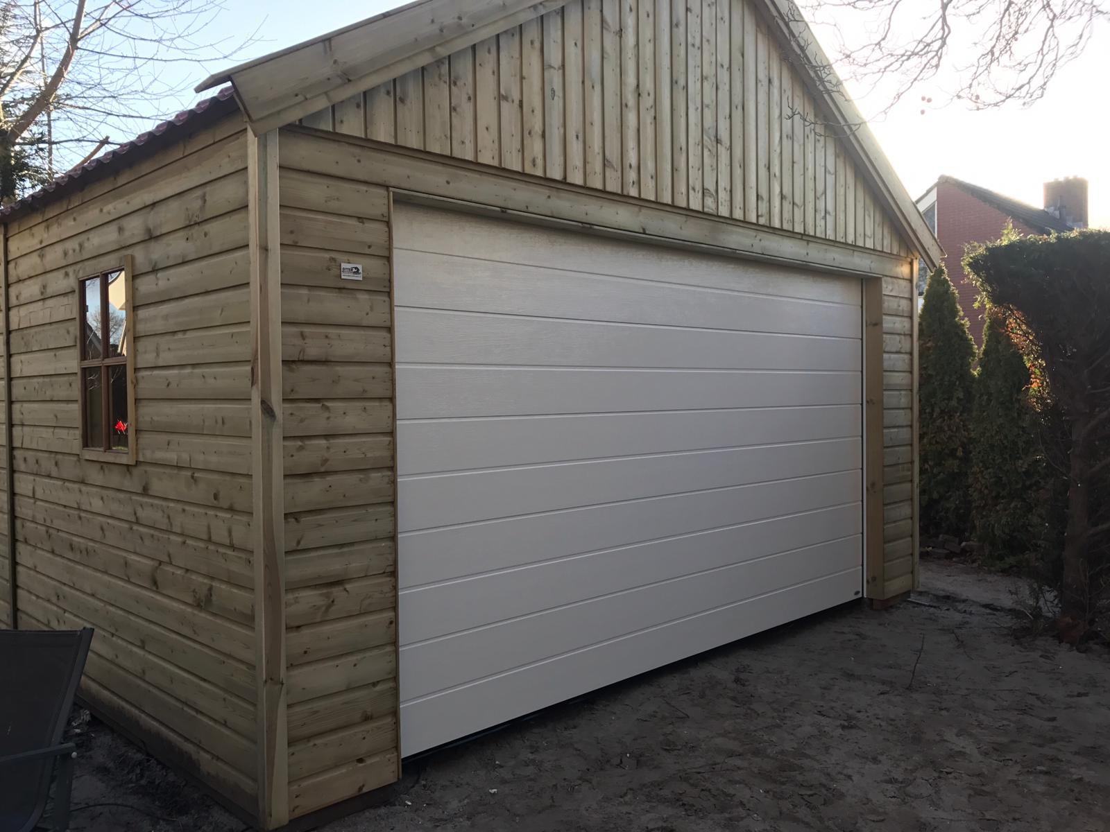 Sectionaaldeuren op maat bij Van Ewijk Zonwering in Lelystad Dronten Swifterbant en Almere 11