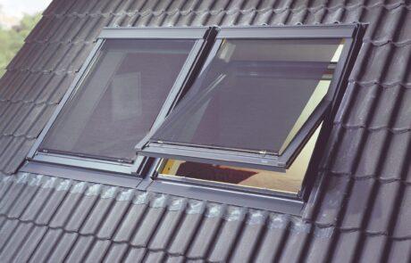 VELUX buitenzonwering screens bij Van Ewijk Zonwering in Lelystad Dronten Swifterbant en Almere