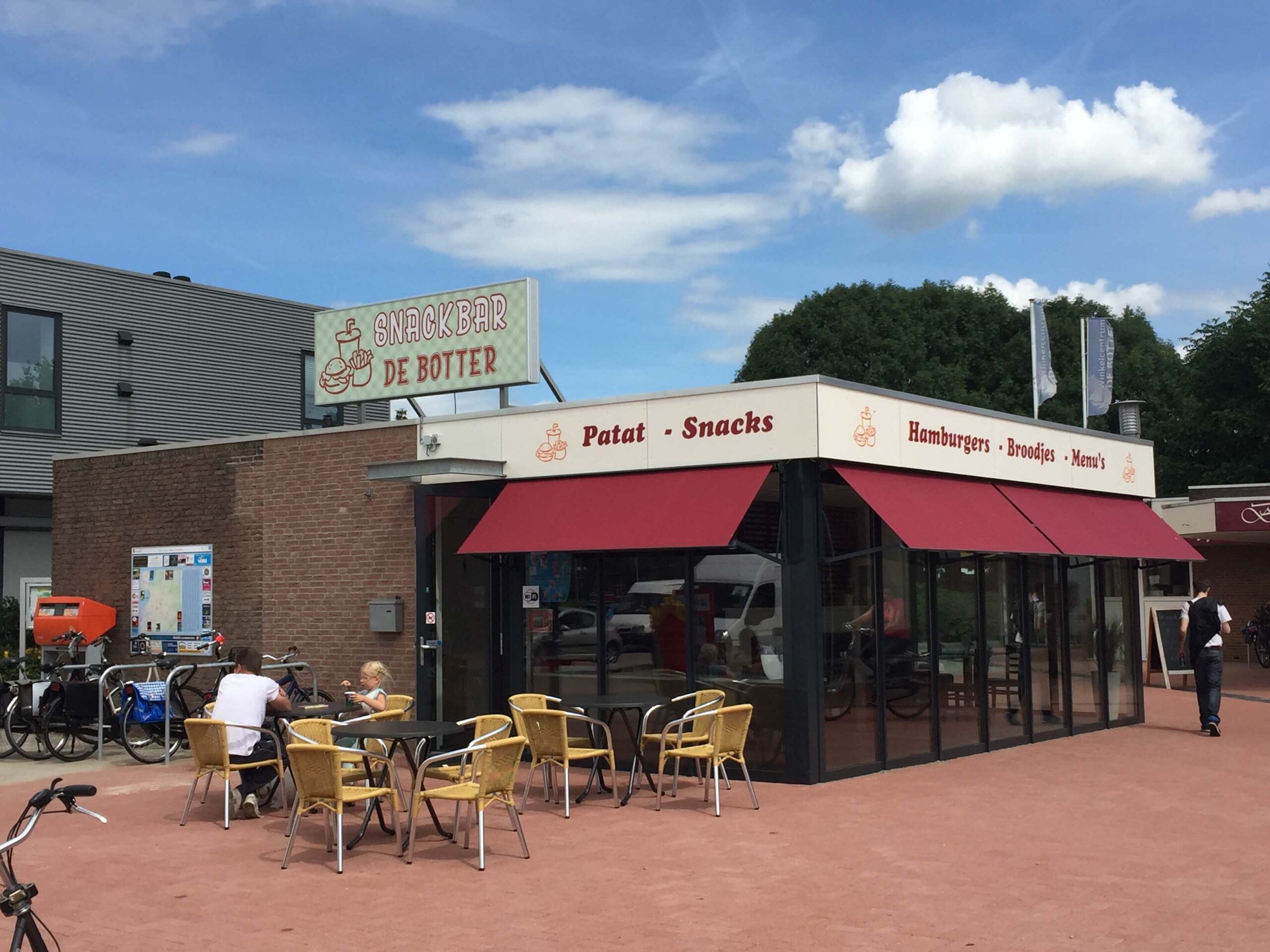 Van Ewijk Zonwering Projectzonwering Snackbar Lelystad scaled