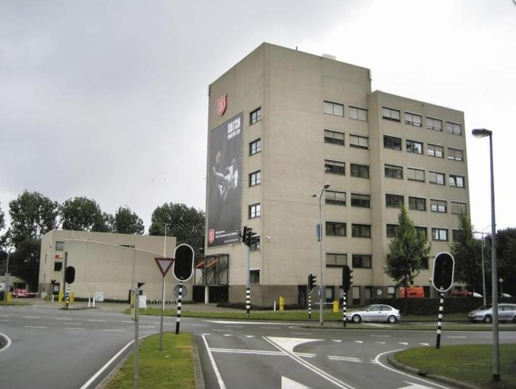 Van Ewijk Zonwering Projectzonwering en Leger des Heils Almere