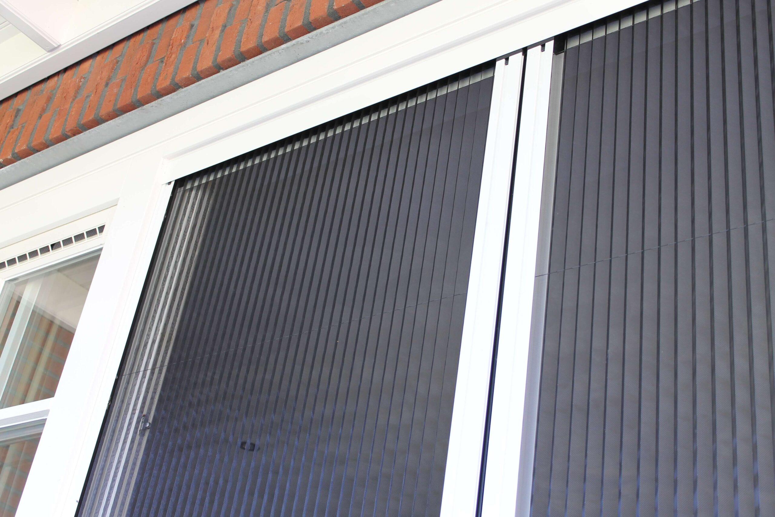 plissehordeuren op maat bij Van Ewijk Zonwering in Lelystad Dronten Swifterbant en Almere 0G scaled