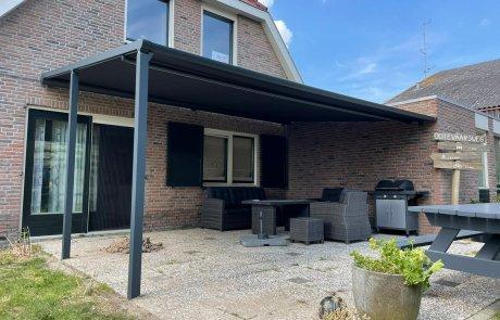 Veranda zonnscherm terras op poten op maat bij Van Ewijk Zonwering in Lelystad Dronten Swifterbant Biddinghuizen en Almere